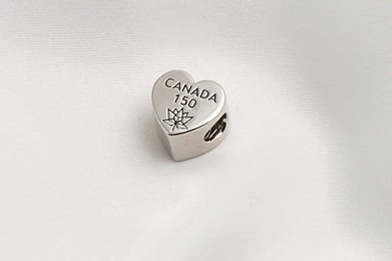 Picture of Canada 150 Official Silver Heart Bead